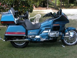 ELECTRIC-blue-goldwing
