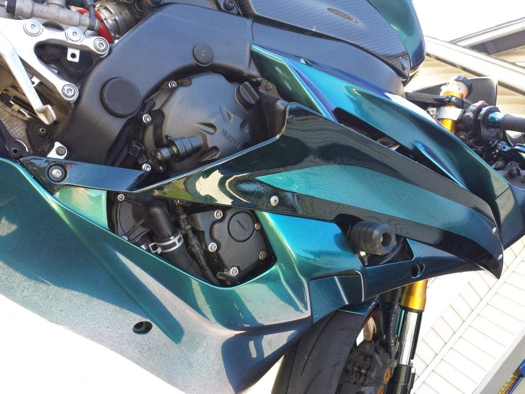 4779BG-chameleon-pearl-super-bike-close up
