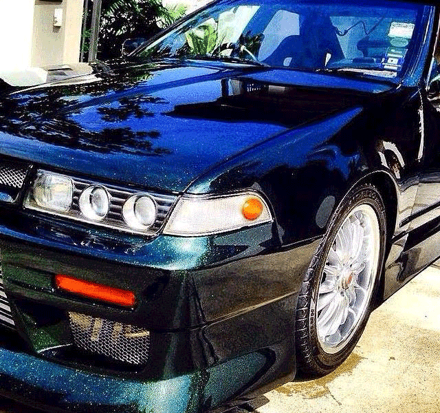 Blue to Green Chameleon paint pearls on Nissan Cefiro A31.