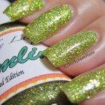yellow-gold-chartreuse-flake-nails